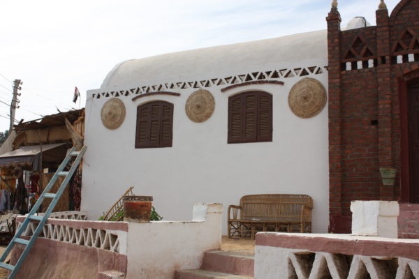 nubian_baskets_on_house