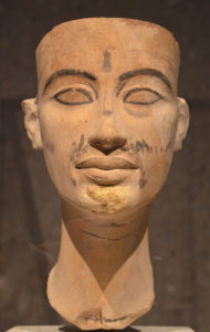 model_of_Neftertiti_famous_bust_of_nefertiti