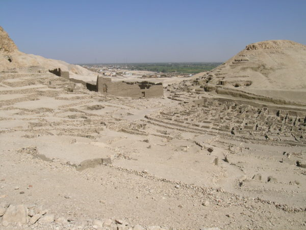 northern-end-of-village-with-ramesseum